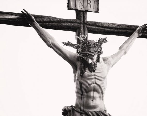 Jesús en Cruz